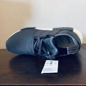 new arrival d2053 64e4e Mens Adidas Originals NMD_R1 Running Shoes CQ2412 NWT